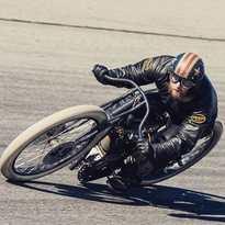'Faster,faster,until the thrill of speed overcomes the fear of death' - Hunter S. Thompson #vansonleathers #retrohelmets #aviatorgoggles #burningroad #zaragoza
