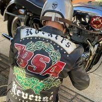 Customize your life #rockers #tonupboys #bsa #britishmotorcycles #leatherjackets 📸 @cmf321321